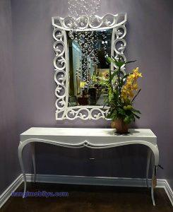 klasik ayna3 245x300 Dekorasyonda Klasik Ayna Kullanımı