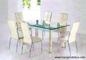 cam yemek masasi modelleri7 300x209 Cam Yemek Masası Modelleri