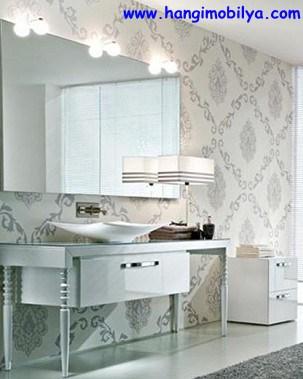 banyo-dekorasyonunda-duvar-kagidi-kullanimi02