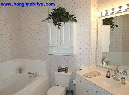 banyo-dekorasyonunda-duvar-kagidi-kullanimi05