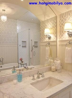 banyo-dekorasyonunda-duvar-kagidi-kullanimi11