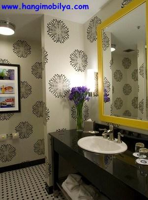 banyo-dekorasyonunda-duvar-kagidi-kullanimi12