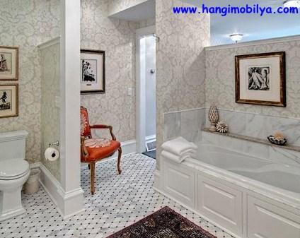 banyo-dekorasyonunda-duvar-kagidi-kullanimi13