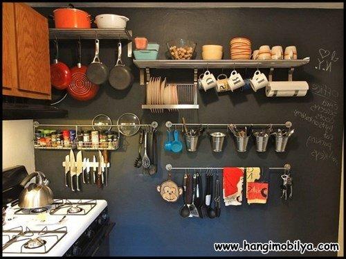 Küçük mutfaklarda asakılarla çözüm