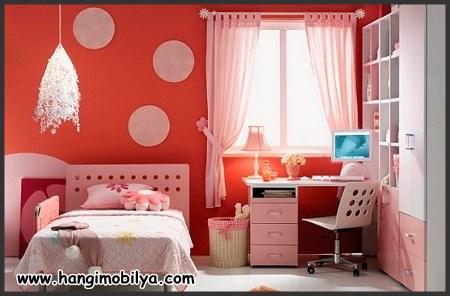 Kırmızı çocuk odası dekorasyonu